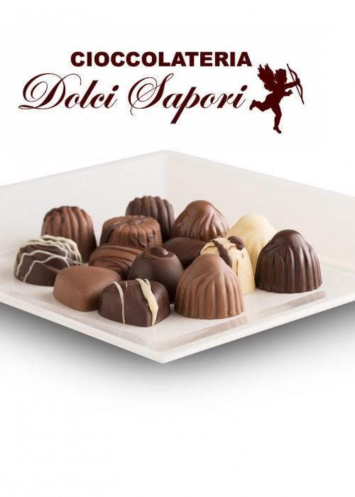 scatola di cioccolatini NUDI da gr 200 con il tuo bigliettino personale di auguri